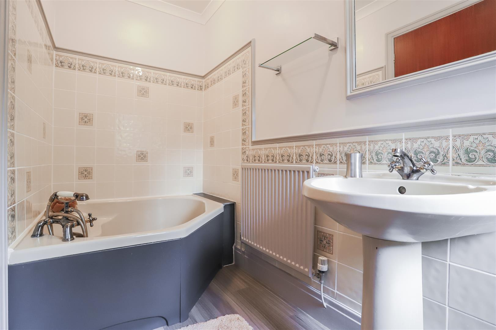 4 Bedroom Detached House For Sale - Image 54